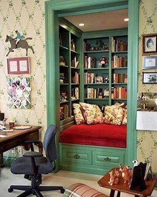 OBRÁZEK : knihovna_pohodlna.jpg
