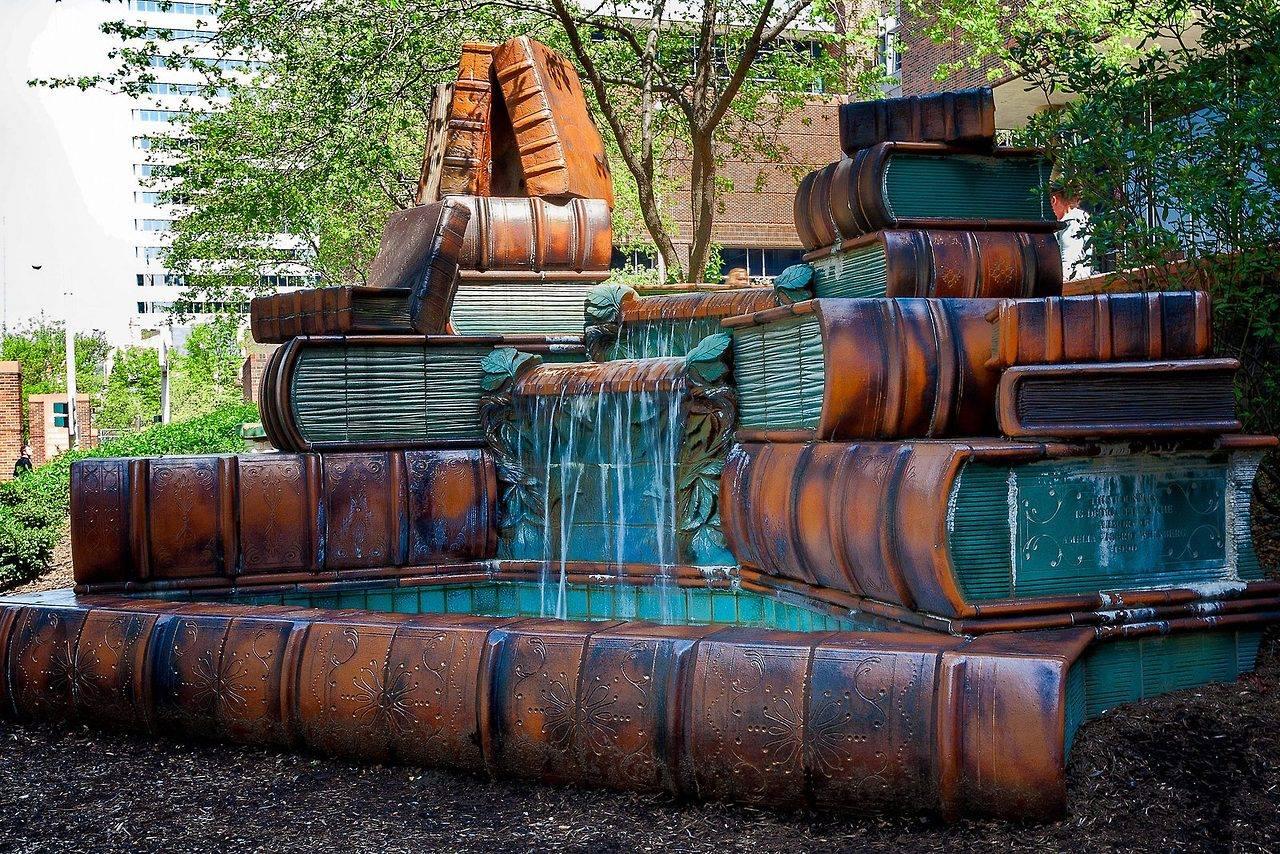 OBRÁZEK : knihovni_fontana_cincinnati_public_library.jpg